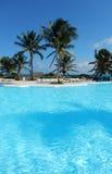 Piscine à une station de vacances des Caraïbes dans le Maya de la Riviera, Mexique Images libres de droits