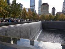 Piscine commémorative New York Manhattan d'infini Images stock