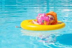 Piscine d'été de bébé Photo stock