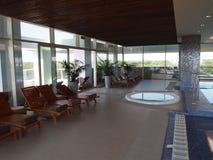 Piscine d'une station thermale de luxe Photographie stock libre de droits