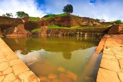 Piscine dans Sigiriya, Sri Lanka photos stock