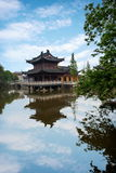 Piscine de libération de temple de Zhenjiang Jiashan Dinghui Photo libre de droits
