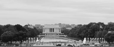 Piscine de Lincoln Memorial et de réflexion, vue de Washington Memorial, Etats-Unis Image stock
