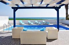 Piscine de luxe de villa Photo stock