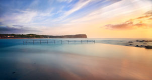Piscine de plage de Macmasters à la marée haute Image libre de droits