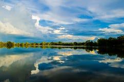 Piscine de réflexion de ciel Photographie stock libre de droits