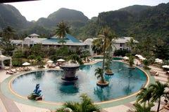 Piscine de station de vacances de Ko Phi Phi Island - Thaïlande Images libres de droits