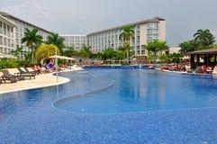 Piscine de station de vacances de Royalton Jamaïque photos libres de droits