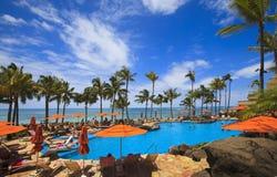 Piscine sur la plage de Waikiki, Hawaï Photographie stock libre de droits