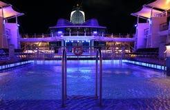 Piscine sur un bateau de croisière Images stock