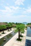 Piscine tropicale d'hôtel de station balnéaire Image libre de droits
