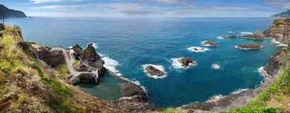 Piscines naturelles d'océan de Seixal, Madère Image stock