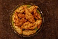 Piselli, keks, pollo e patate Fotografia Stock Libera da Diritti