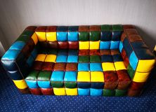 Piska kulöra små fyrkanter för soffan royaltyfri bild