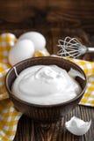 piskade ägg arkivfoton