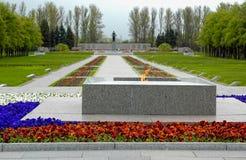 Piskarevskoe minnesmärkekyrkogård St Petersburg Arkivbild