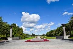 Piskaryovskoye minnes- kyrkogård i Leningrad Royaltyfri Fotografi