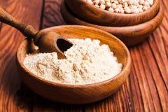 Pisklęca Grochowa mąka obraz stock