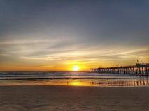 Pismo strand i Kalifornien solnedgångförälskelse arkivfoton