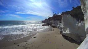 Pismostrand Californië - Witte Klippen en Oceaan stock videobeelden