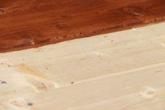 Piso de los tableros del pino procesados por la pintura Fotografía de archivo