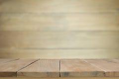 Piso de madera con la pared de madera borrosa Fotografía de archivo