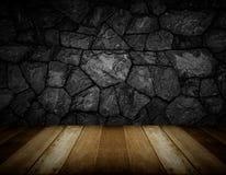 Piso de madera y fondo agrietado gris de la pared de piedra Imagenes de archivo