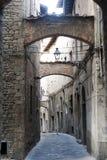 Pistóia (Toscana), calle vieja fotografía de archivo libre de regalías