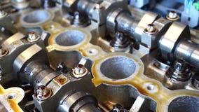 Pistón y válvula del motor de coche mecanismo dentro almacen de video