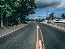Pista Center da estrada em uma curva Imagens de Stock