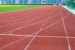 Pista corriente en estadio del nacional de Supachalasai Fotos de archivo