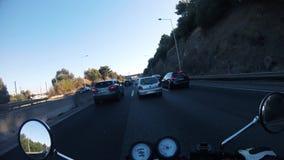 Pista da motocicleta que racha em dianteiro rápido vídeos de arquivo