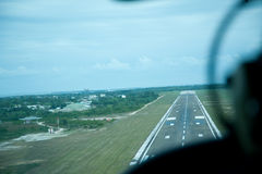 Pista de aterrizaje Imagenes de archivo