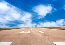 Pista de aterrizaje de la pista, aviación Imágenes de archivo libres de regalías