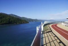 Pista de atletismo no mar Imagens de Stock Royalty Free