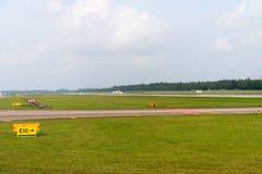 Pista de decolagem do aeroporto Imagens de Stock Royalty Free