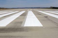 Pista de decolagem do aeroporto Imagens de Stock