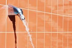 Pista de ducha en la piscina Imágenes de archivo libres de regalías