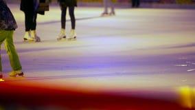 Pista de hielo en el cuadrado rojo metrajes