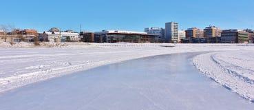 Pista de hielo de LuleÃ¥s para la reconstrucción y el patinaje a campo través Fotografía de archivo
