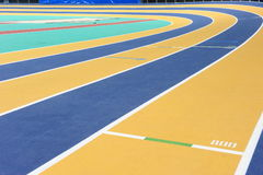 Pista de interior del atletismo Imágenes de archivo libres de regalías