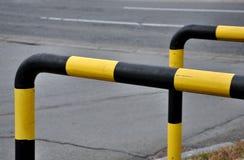 Pista de la bicicleta con la cerca del metal imagen de archivo libre de regalías