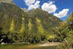Pista de Milford, paisaje pintoresco, Nueva Zelanda Imagenes de archivo