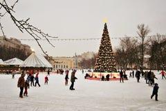 Pista de patinaje en Moscú Fotos de archivo