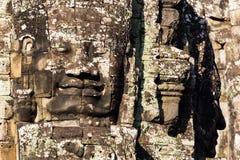 Pista de piedra en torres del templo de Bayon Imágenes de archivo libres de regalías