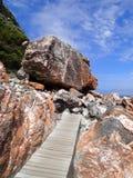 Pista de senderismo costera Imágenes de archivo libres de regalías