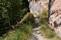 Pista de senderismo, dolomías de Brenta, Italia imagen de archivo