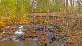 Pista de senderismo provincial del parque del lago silencioso Fotos de archivo