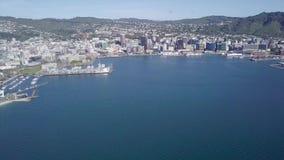 Pista de transporte da carga da antena, do Wellington e porto, bandeja em 4k filme