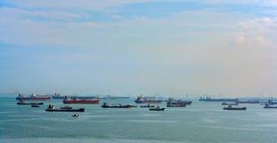 A pista de transporte a mais ocupada de World's - estreitos de Malaca e Singapo fotografia de stock